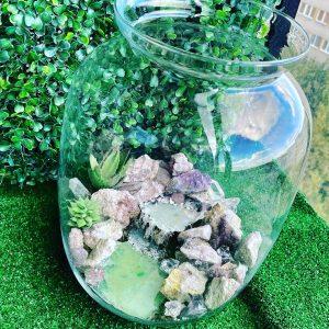 Słój szklany z rzeką epoksydową