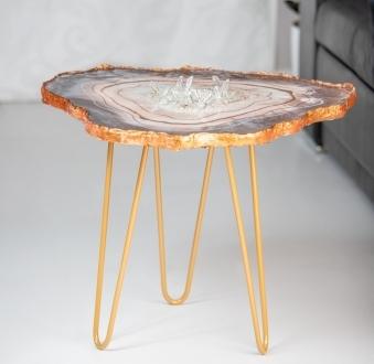 Stół z żywicy – fantazyjna miedź